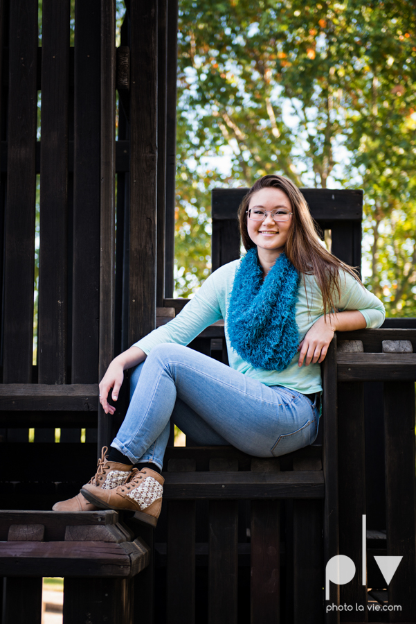 Belle senior session photos dfw Dallas park DBU campus fall winter autumn girl blue Sarah Whittaker Photo La Vie-2.JPG
