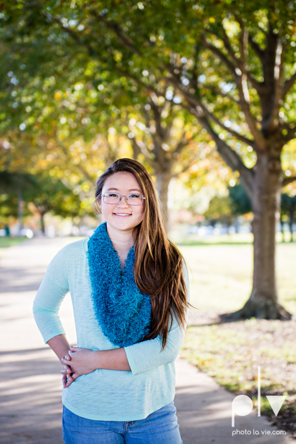 Belle senior session photos dfw Dallas park DBU campus fall winter autumn girl blue Sarah Whittaker Photo La Vie-4.JPG