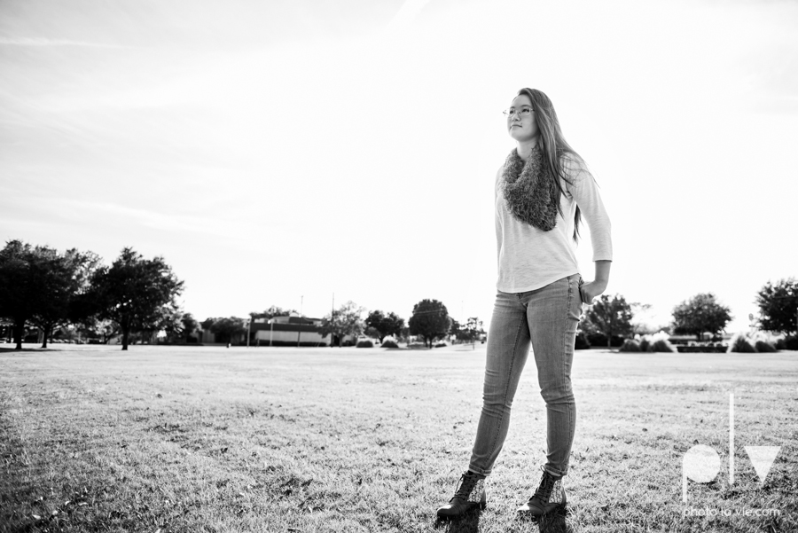Belle senior session photos dfw Dallas park DBU campus fall winter autumn girl blue Sarah Whittaker Photo La Vie-6.JPG