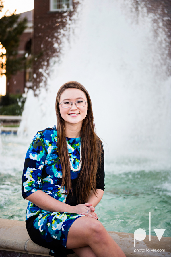 Belle senior session photos dfw Dallas park DBU campus fall winter autumn girl blue Sarah Whittaker Photo La Vie-10.JPG