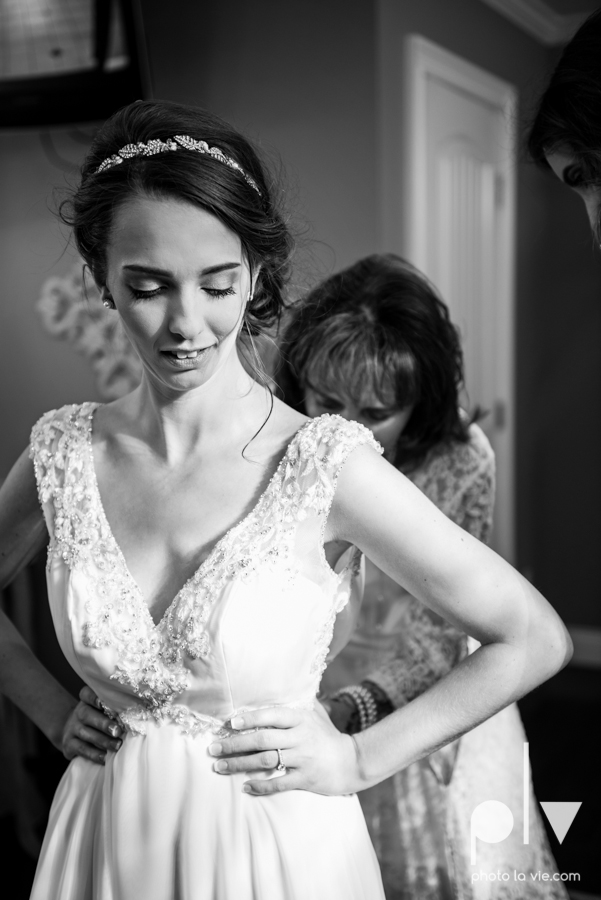 Lena Scott TheNewlywedNeills DFW Dallas Fort Worth Wedding Fall Thanksgiving lace purple Sarah Whittaker Photo La Vie-5.JPG