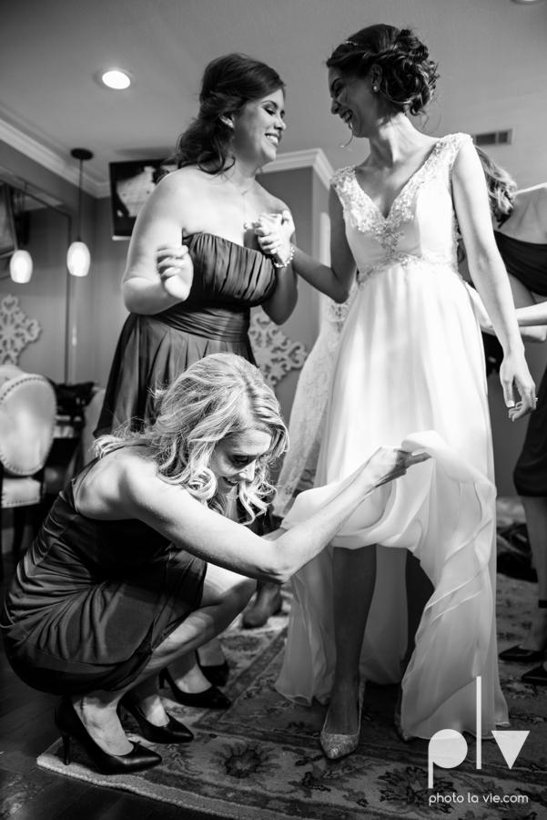 Lena Scott TheNewlywedNeills DFW Dallas Fort Worth Wedding Fall Thanksgiving lace purple Sarah Whittaker Photo La Vie-8.JPG