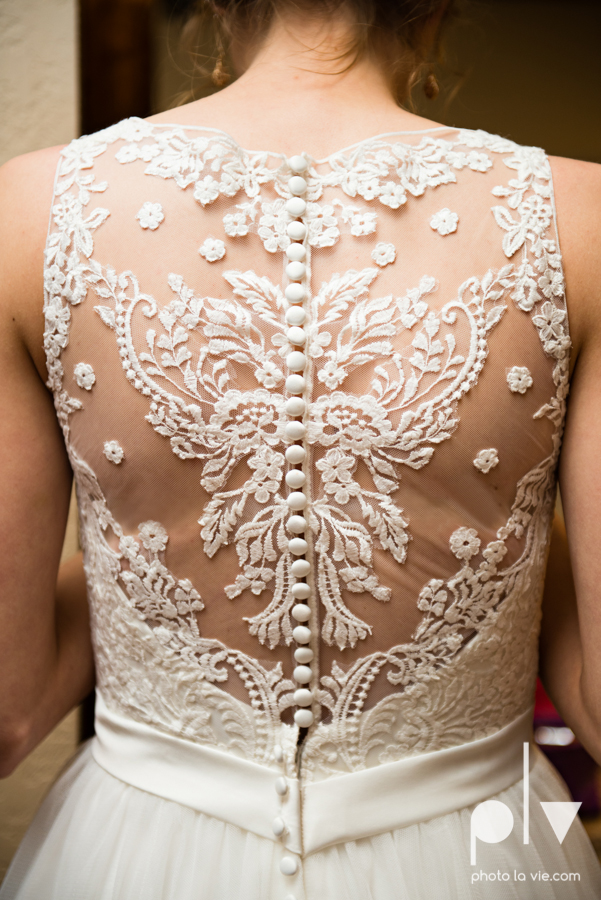 demi keith wedding married the brooks at weatherford texas dfw lace outdoor cow spring summer Sarah Whittaker Photo La Vie-5.JPG