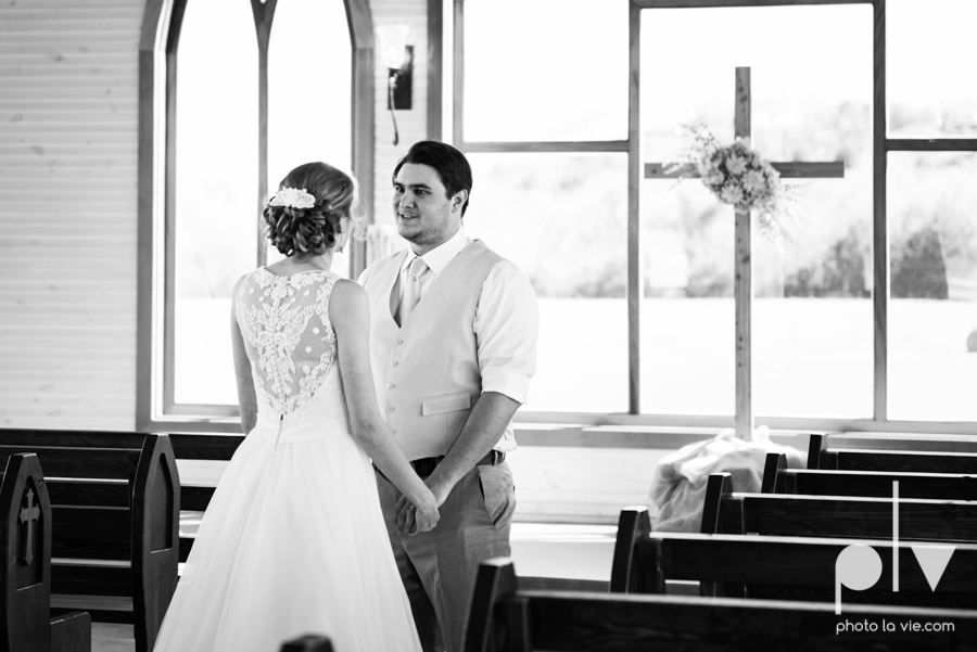 demi keith wedding married the brooks at weatherford texas dfw lace outdoor cow spring summer Sarah Whittaker Photo La Vie-10.JPG