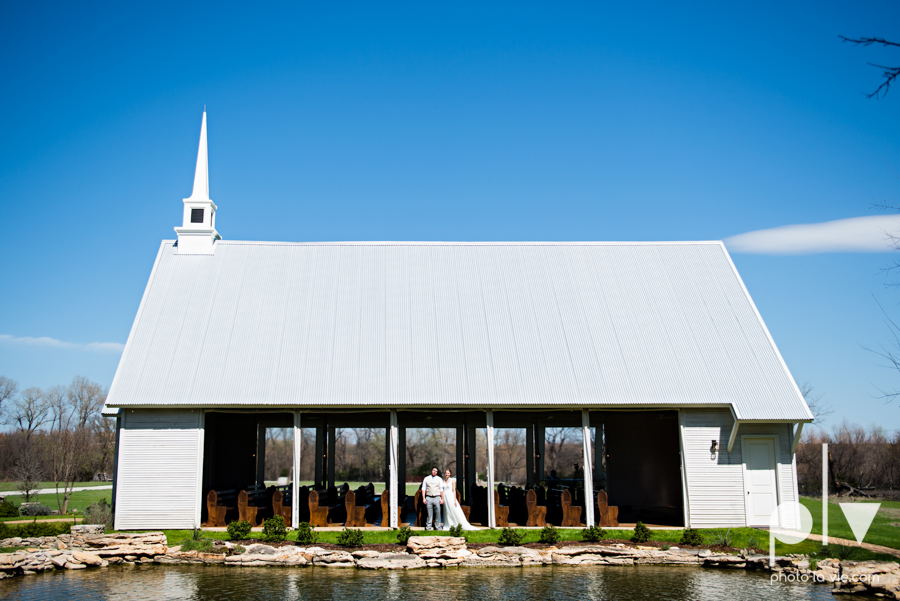 demi keith wedding married the brooks at weatherford texas dfw lace outdoor cow spring summer Sarah Whittaker Photo La Vie-15.JPG