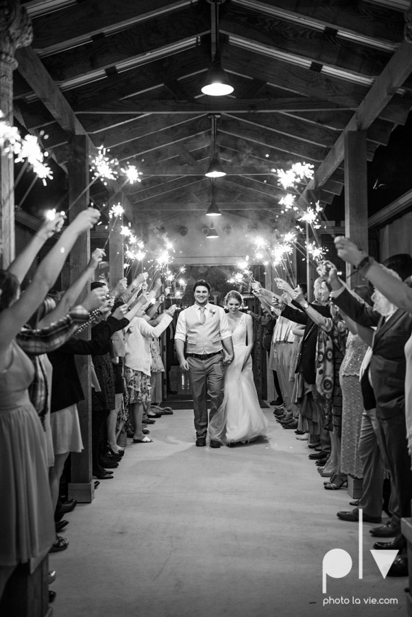 demi keith wedding married the brooks at weatherford texas dfw lace outdoor cow spring summer Sarah Whittaker Photo La Vie-23.JPG