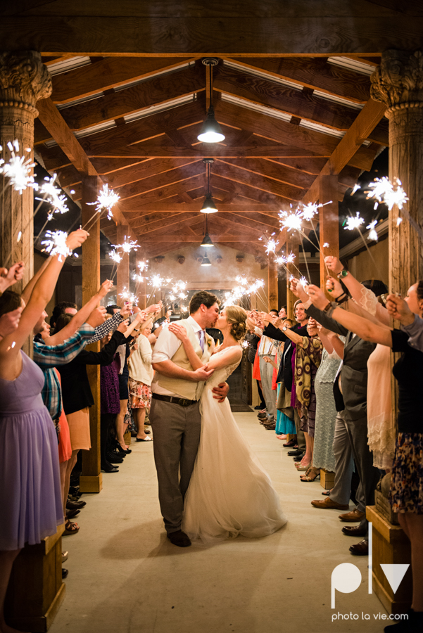 demi keith wedding married the brooks at weatherford texas dfw lace outdoor cow spring summer Sarah Whittaker Photo La Vie-24.JPG