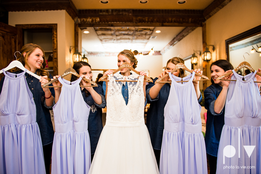 demi keith wedding married the brooks at weatherford texas dfw lace outdoor cow spring summer Sarah Whittaker Photo La Vie-27.JPG