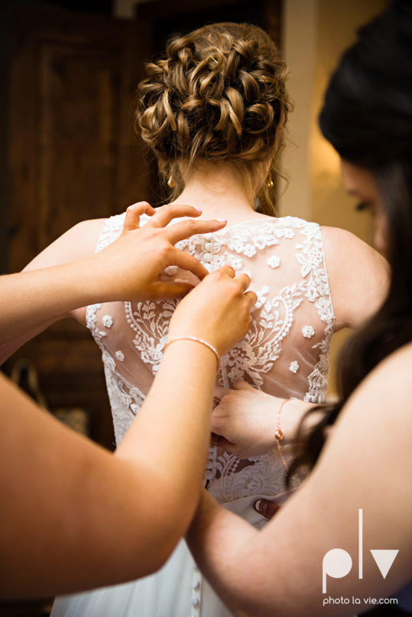 demi keith wedding married the brooks at weatherford texas dfw lace outdoor cow spring summer Sarah Whittaker Photo La Vie-31.JPG