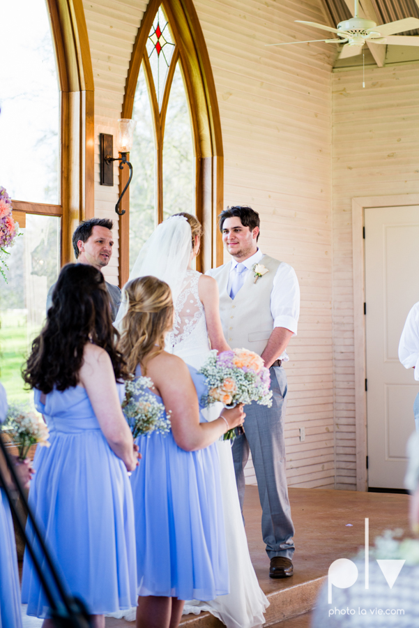 demi keith wedding married the brooks at weatherford texas dfw lace outdoor cow spring summer Sarah Whittaker Photo La Vie-45.JPG