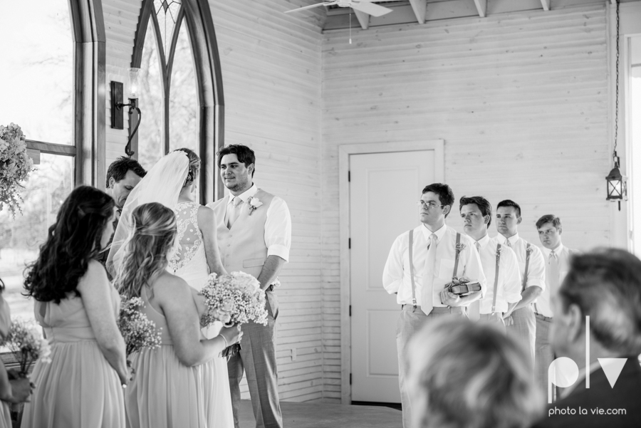 demi keith wedding married the brooks at weatherford texas dfw lace outdoor cow spring summer Sarah Whittaker Photo La Vie-46.JPG