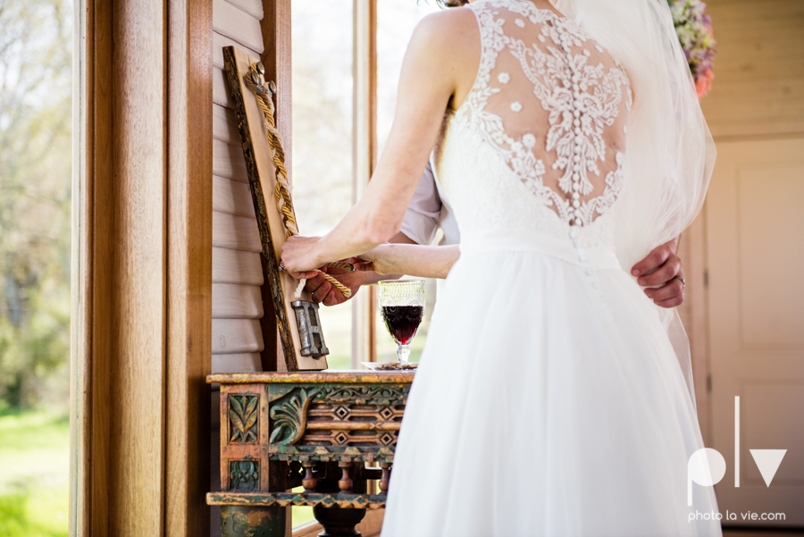 demi keith wedding married the brooks at weatherford texas dfw lace outdoor cow spring summer Sarah Whittaker Photo La Vie-47.JPG
