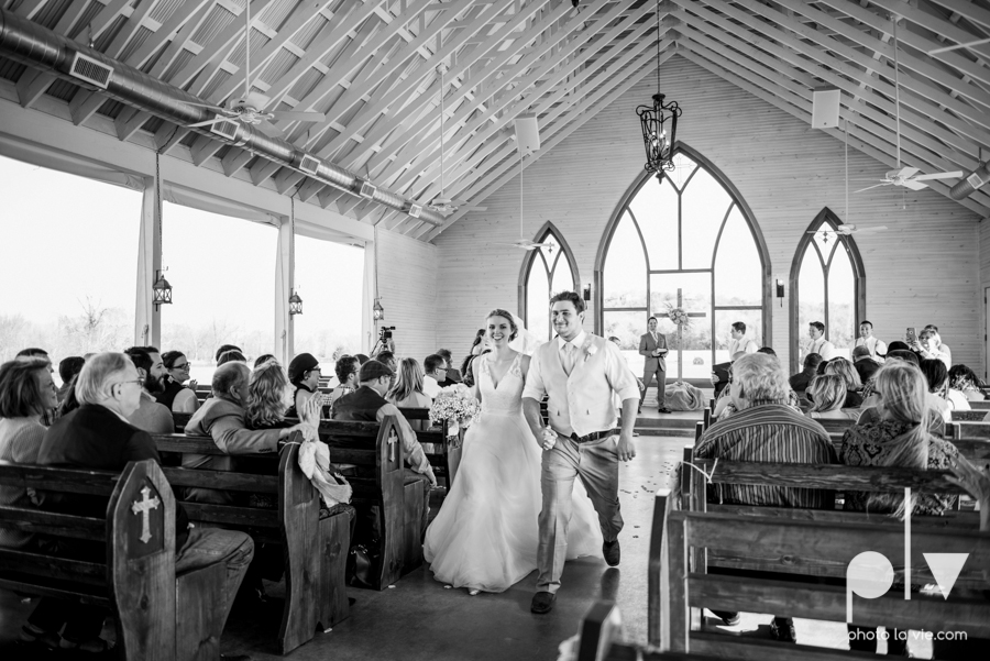 demi keith wedding married the brooks at weatherford texas dfw lace outdoor cow spring summer Sarah Whittaker Photo La Vie-54.JPG