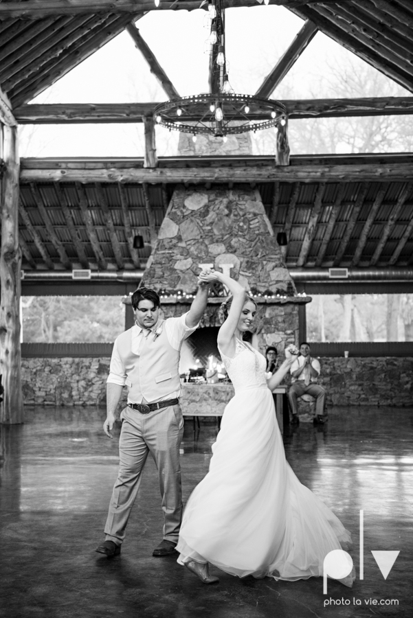 demi keith wedding married the brooks at weatherford texas dfw lace outdoor cow spring summer Sarah Whittaker Photo La Vie-70.JPG