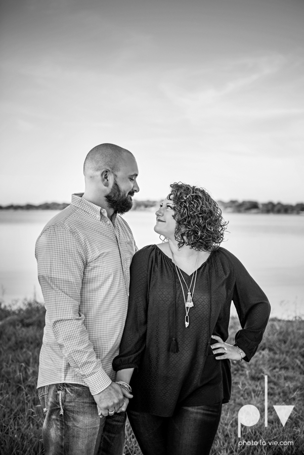 engagement session DFW couple Dallas bishiop arts district white rock lake summer outdoors suitcase docks water trees urban walls colors vines emporium pies Sarah Whittaker Photo La Vie-1.JPG
