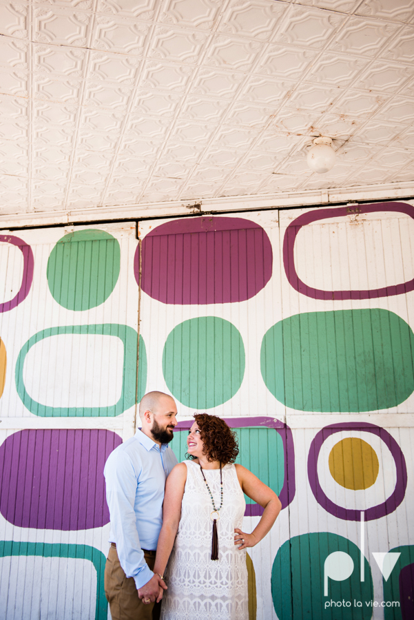 engagement session DFW couple Dallas bishiop arts district white rock lake summer outdoors suitcase docks water trees urban walls colors vines emporium pies Sarah Whittaker Photo La Vie-16.JPG