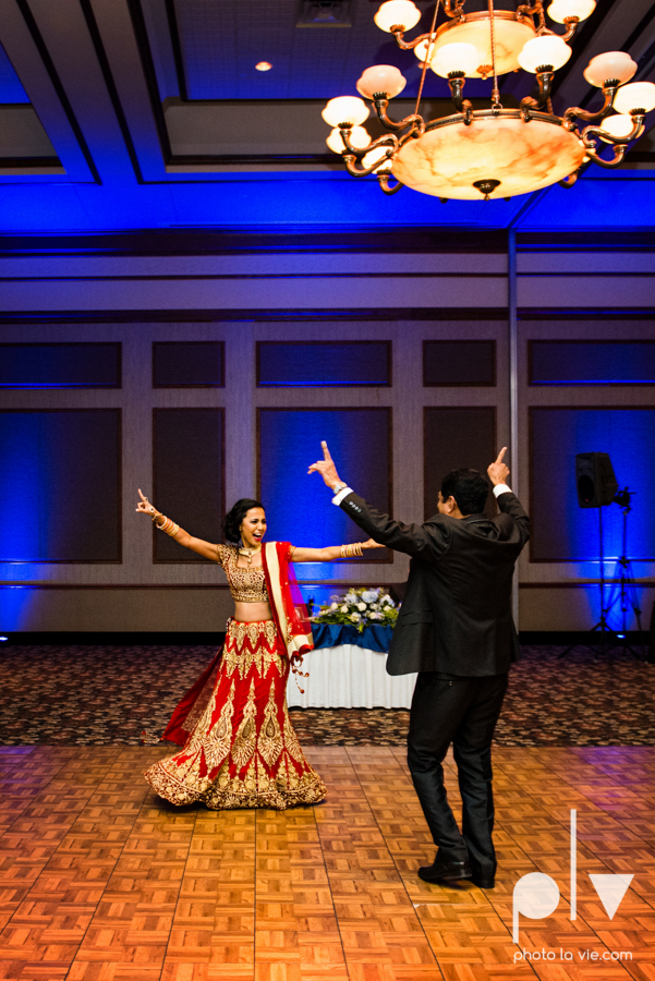 Debbie Trevor wedding ruthe jackson center dfw texas multicultural indian india traditional christian lights Sarah Whittaker Photo La Vie-36.JPG
