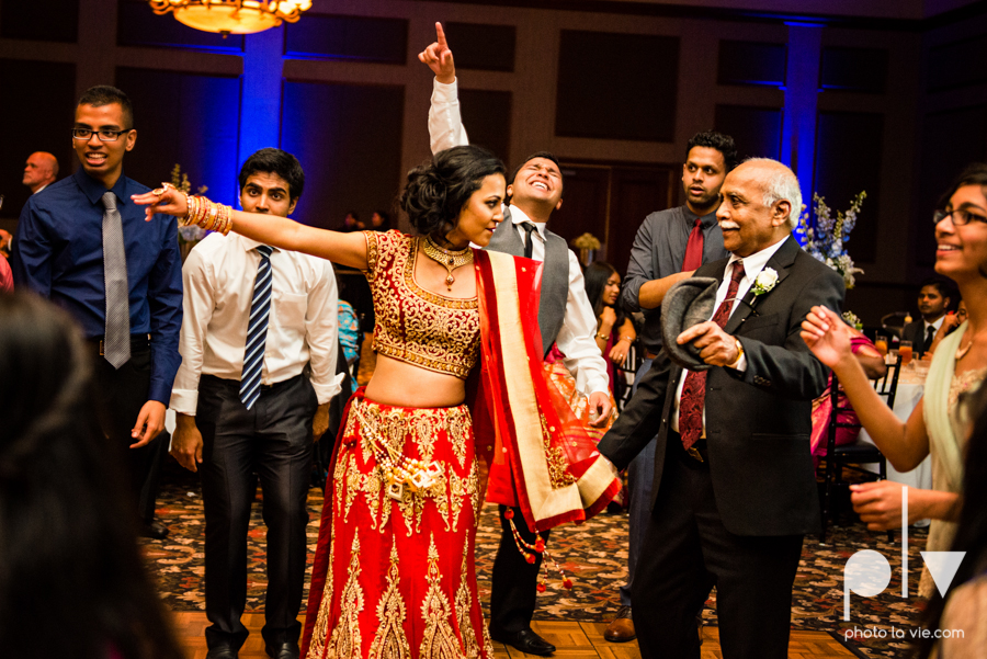 Debbie Trevor wedding ruthe jackson center dfw texas multicultural indian india traditional christian lights Sarah Whittaker Photo La Vie-39.JPG