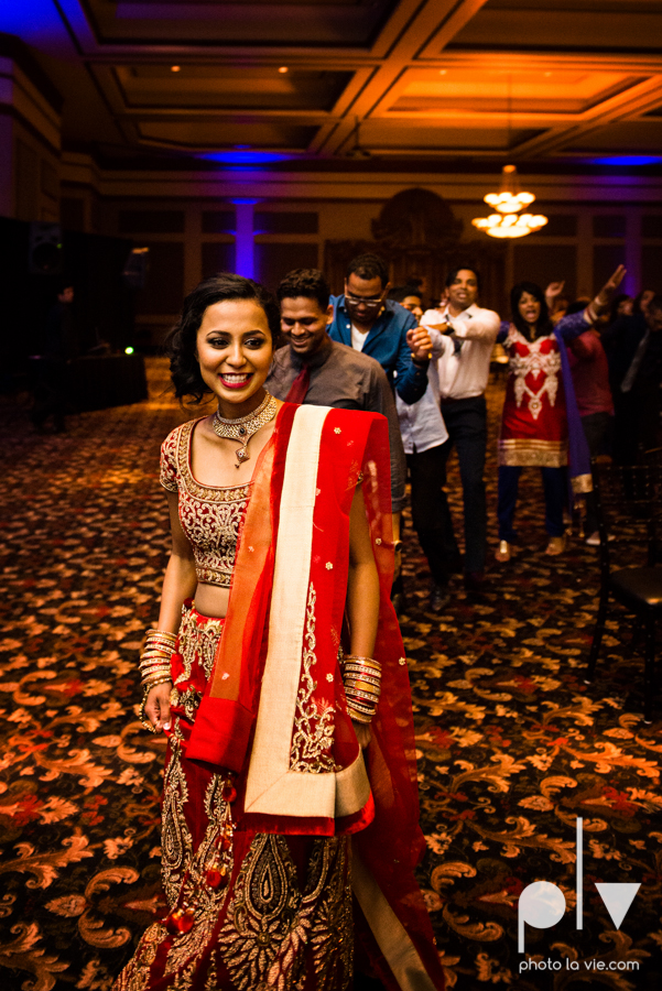 Debbie Trevor wedding ruthe jackson center dfw texas multicultural indian india traditional christian lights Sarah Whittaker Photo La Vie-43.JPG
