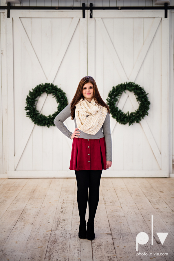 King sisters girls teens quinlan texas white sparrow barn outdoors holiday christmas session Sarah Whittaker Photo La Vie-2.JPG