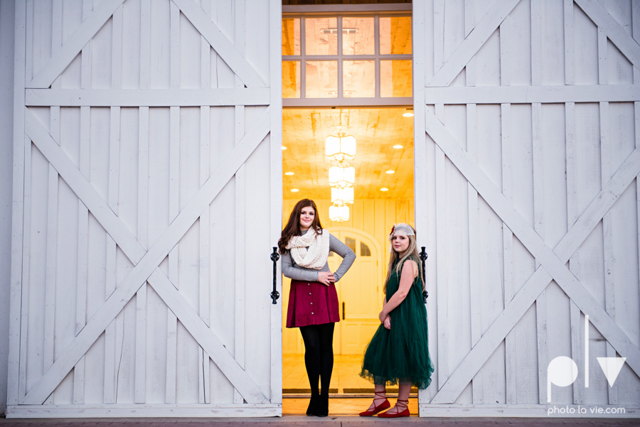 King sisters girls teens quinlan texas white sparrow barn outdoors holiday christmas session Sarah Whittaker Photo La Vie-10.JPG