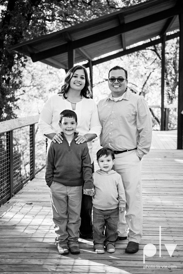 Valdez family mini session mansfield texas oliver nature park fall winter christmas photos photographer children sibilings boy blue Sarah Whittaker Photo La Vie-2.JPG