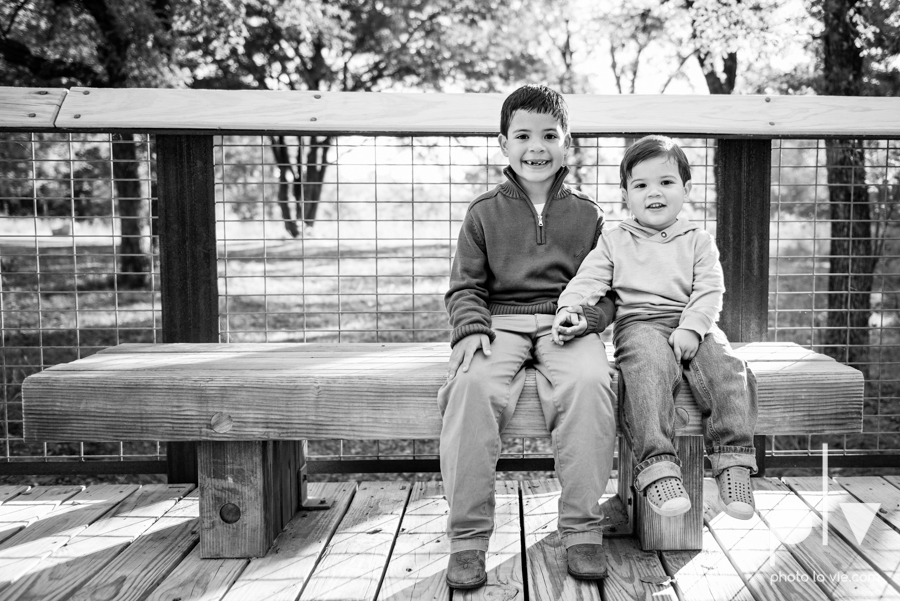 Valdez family mini session mansfield texas oliver nature park fall winter christmas photos photographer children sibilings boy blue Sarah Whittaker Photo La Vie-1.JPG