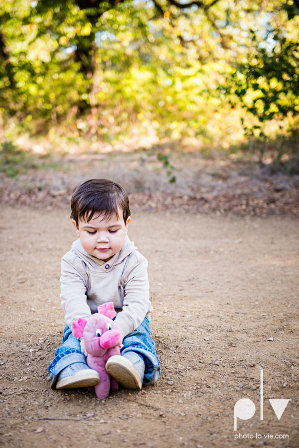 Valdez family mini session mansfield texas oliver nature park fall winter christmas photos photographer children sibilings boy blue Sarah Whittaker Photo La Vie-4.JPG
