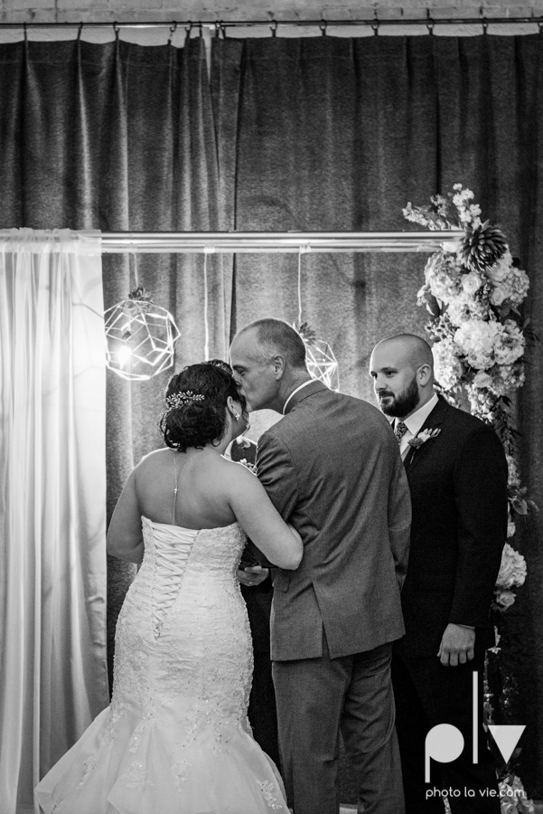 potts wedding hickory street annex dallas texas tx bride groom couple floral blues fabulous lighting donuts cake Tara Todd Sarah Whittaker Photo La Vie-25.JPG