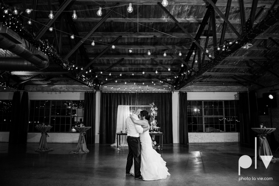 potts wedding hickory street annex dallas texas tx bride groom couple floral blues fabulous lighting donuts cake Tara Todd Sarah Whittaker Photo La Vie-49.JPG
