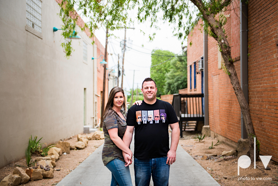 Kristin Trevor engagement blog bishop arts dallas bridge pedestrian floral couple engaged wedding DFW texas Sarah Whittaker Photo La Vie-4.JPG