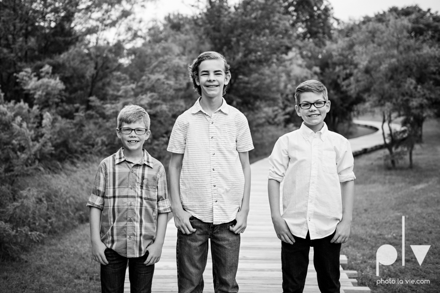 Rudd Family boys mansfield texas dfw oliver nature park spring summer outfits family portraits Sarah Whittaker Photo La Vie-3.JPG