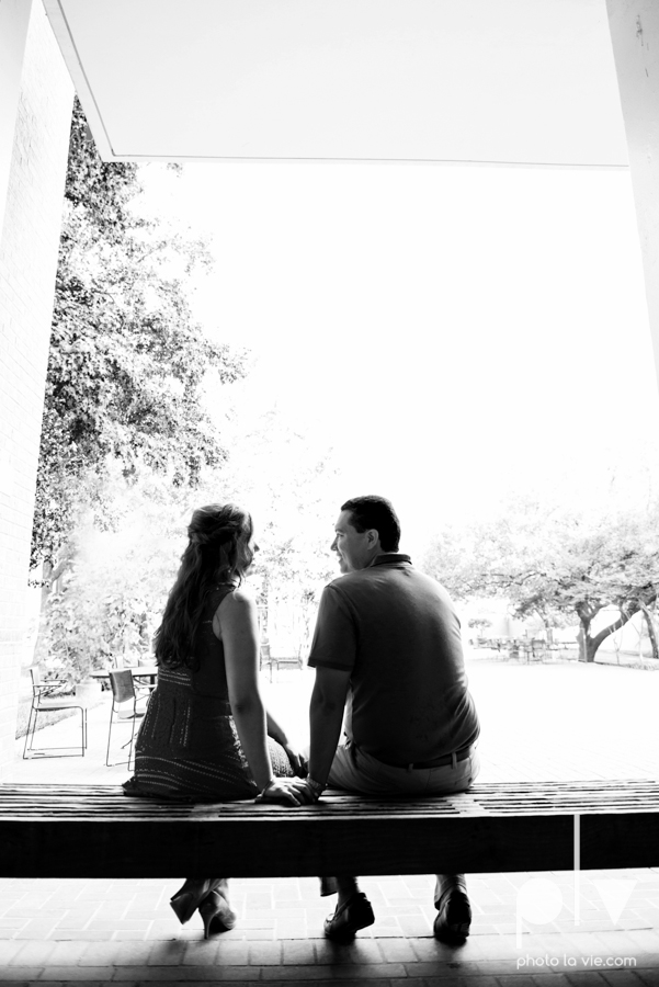 DFW engagement session Dallas hunt hill bridge pedestrian bridge University of Dallas couple DU summer Photo La Vie-3.JPG