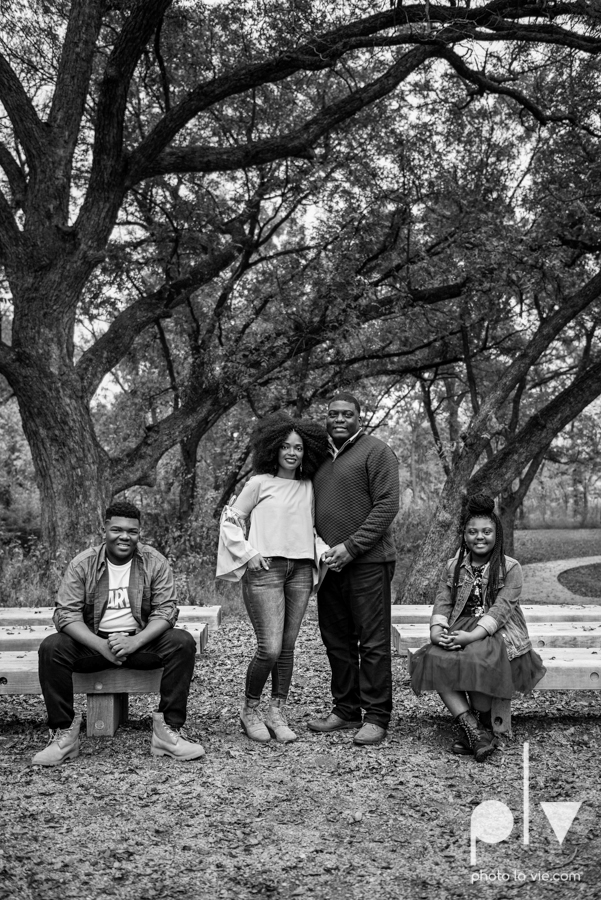 family mini session Oliver nature park mansfield texas children siblings kids couple teens tweens boy girl african american black purple outfits style Sarah Whittaker Photo La Vie-1.JPG