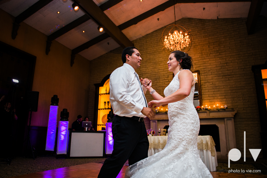 wedding photography dallas texas university of dallas irving las colinas country club mariachi Sarah Whittaker Photo La Vie-48.JPG