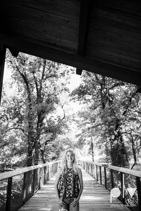 mansfield texas senior portrait session oliver nature park summer high school girl blonde photographer texas sarah whittaker photo la vie-16.JPG