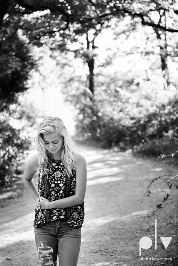 mansfield texas senior portrait session oliver nature park summer high school girl blonde photographer texas sarah whittaker photo la vie-17.JPG