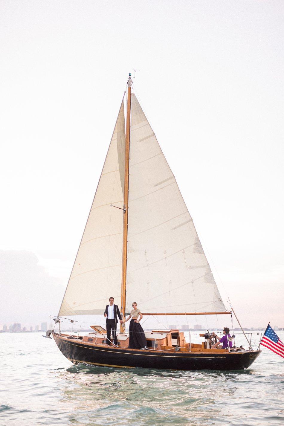naples-luxury-sailing-engagement-photography-nautical-sailboat-engagement_1089.jpg