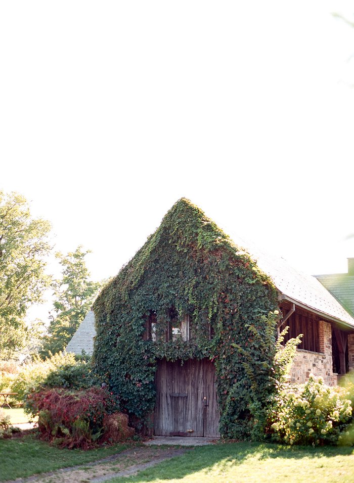 blue-hill-stone-barns-new-york-destination-film-wedding-photography-56020011.jpg