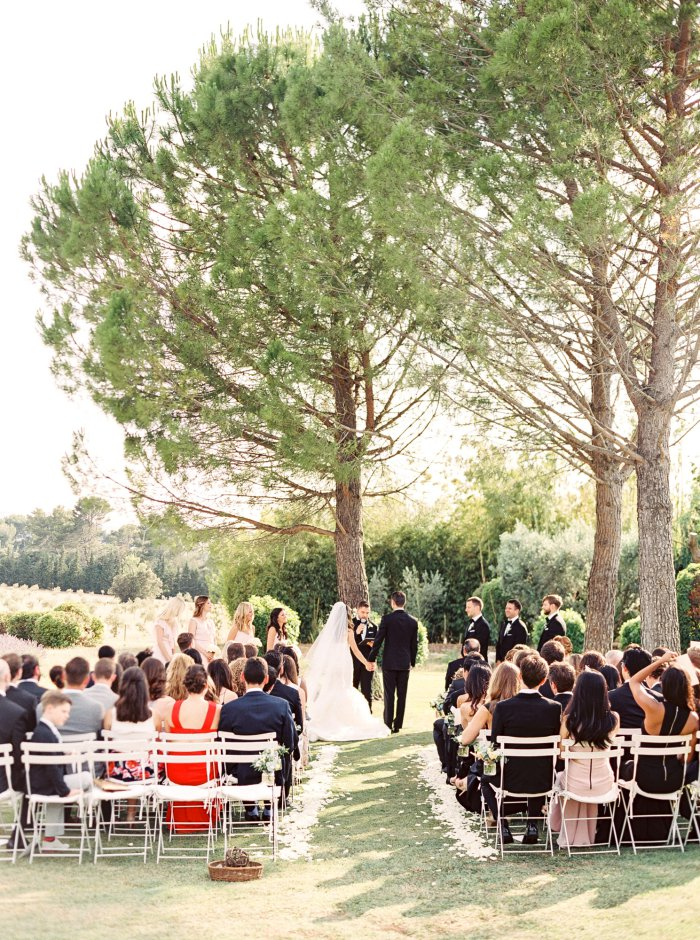mas-de-la-rose-provence-france-destination-film-wedding-photographer-4587_08.jpg