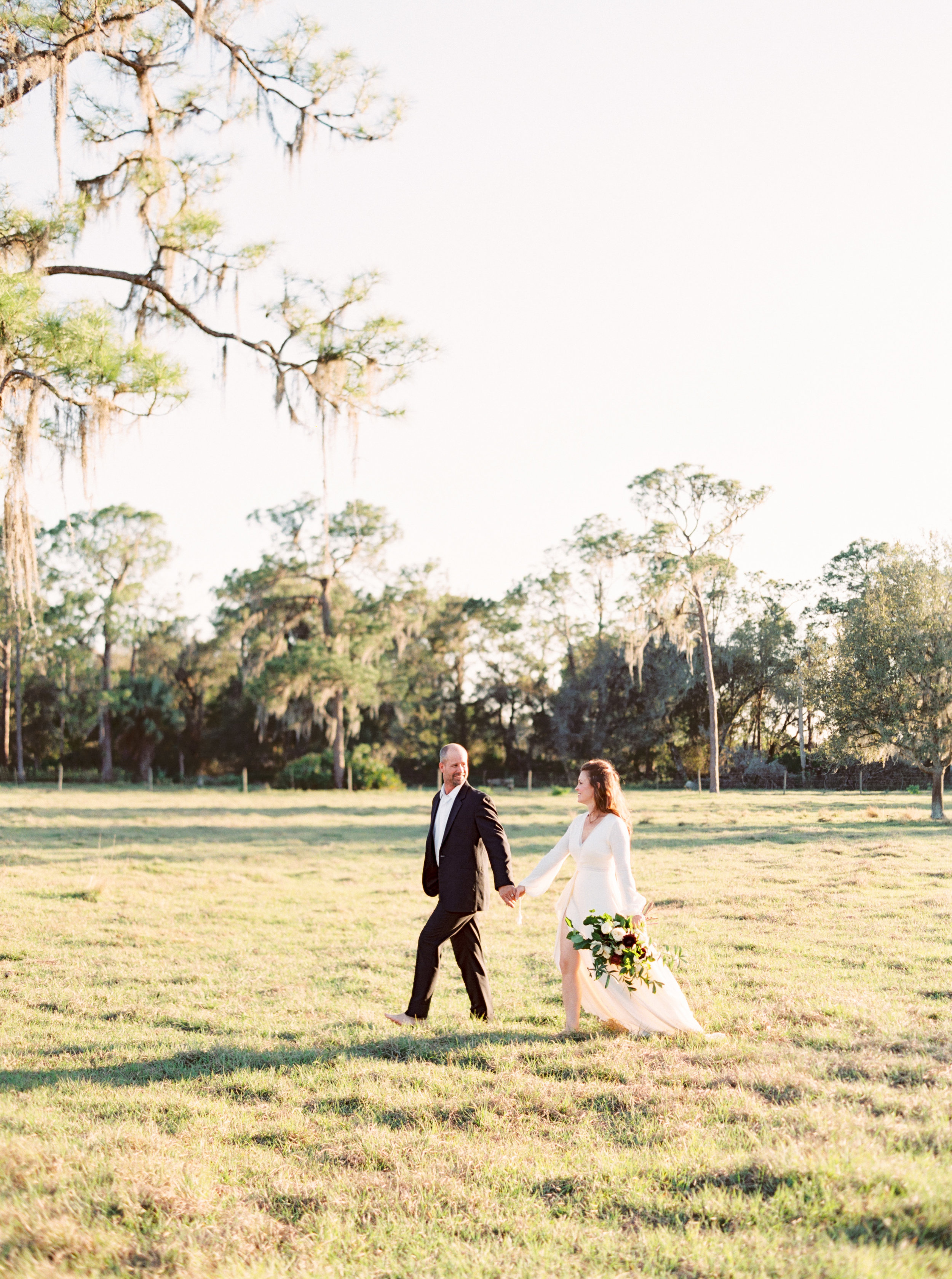 our-Naples Wedding Photographer-30819_02.jpg