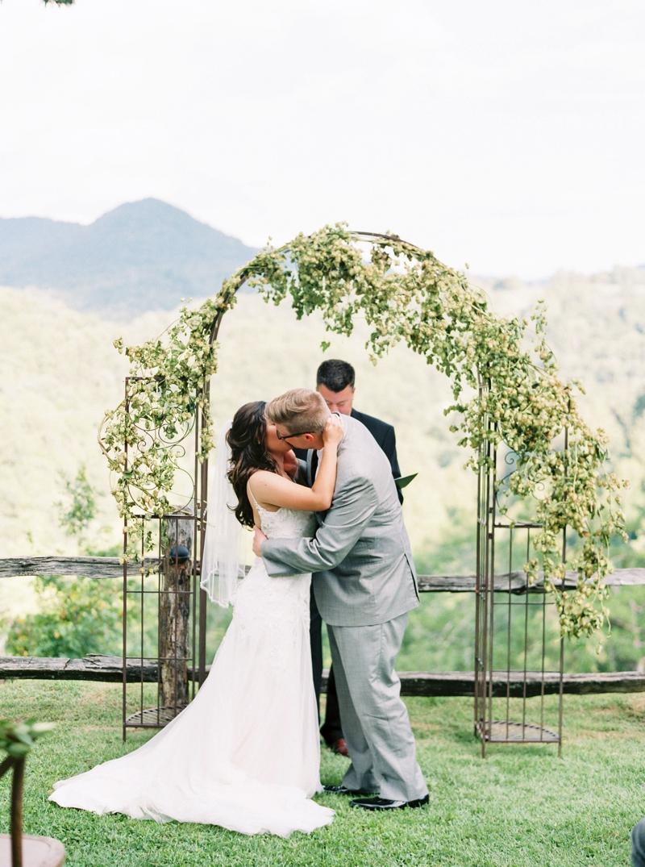 Destination_Film_Wedding_Photographer- Mountain_Weddings_0408.jpg