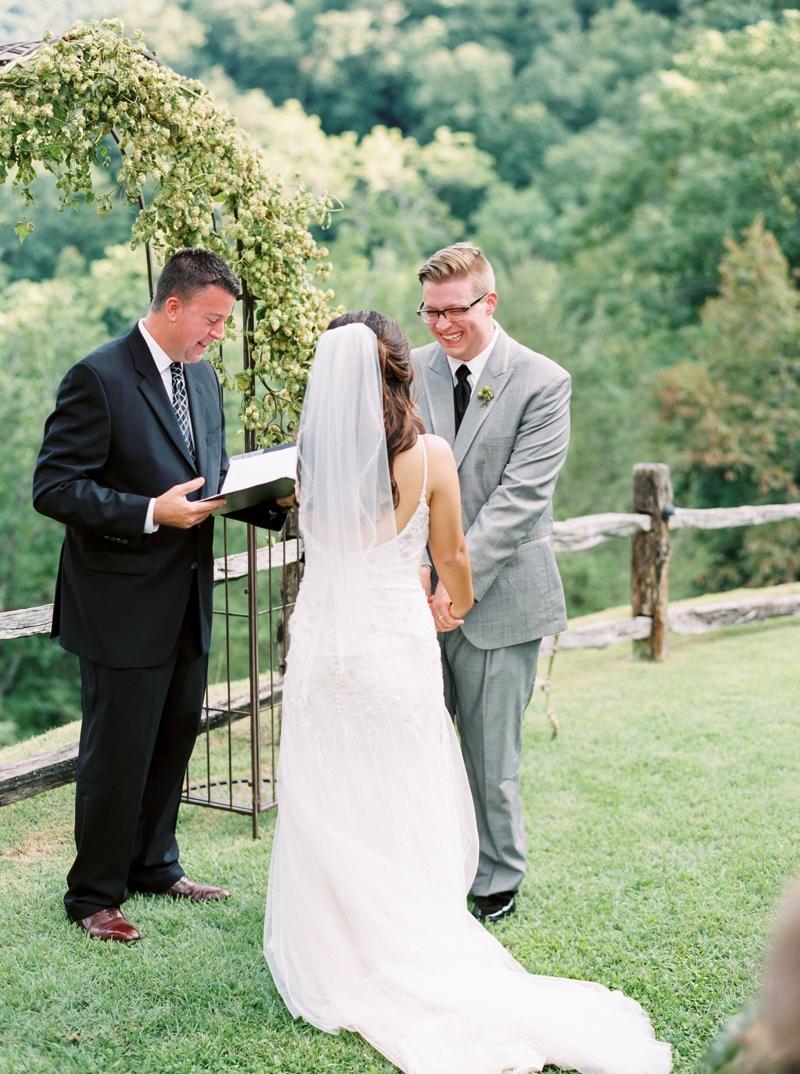 Destination_Film_Wedding_Photographer- Mountain_Weddings_0369.jpg
