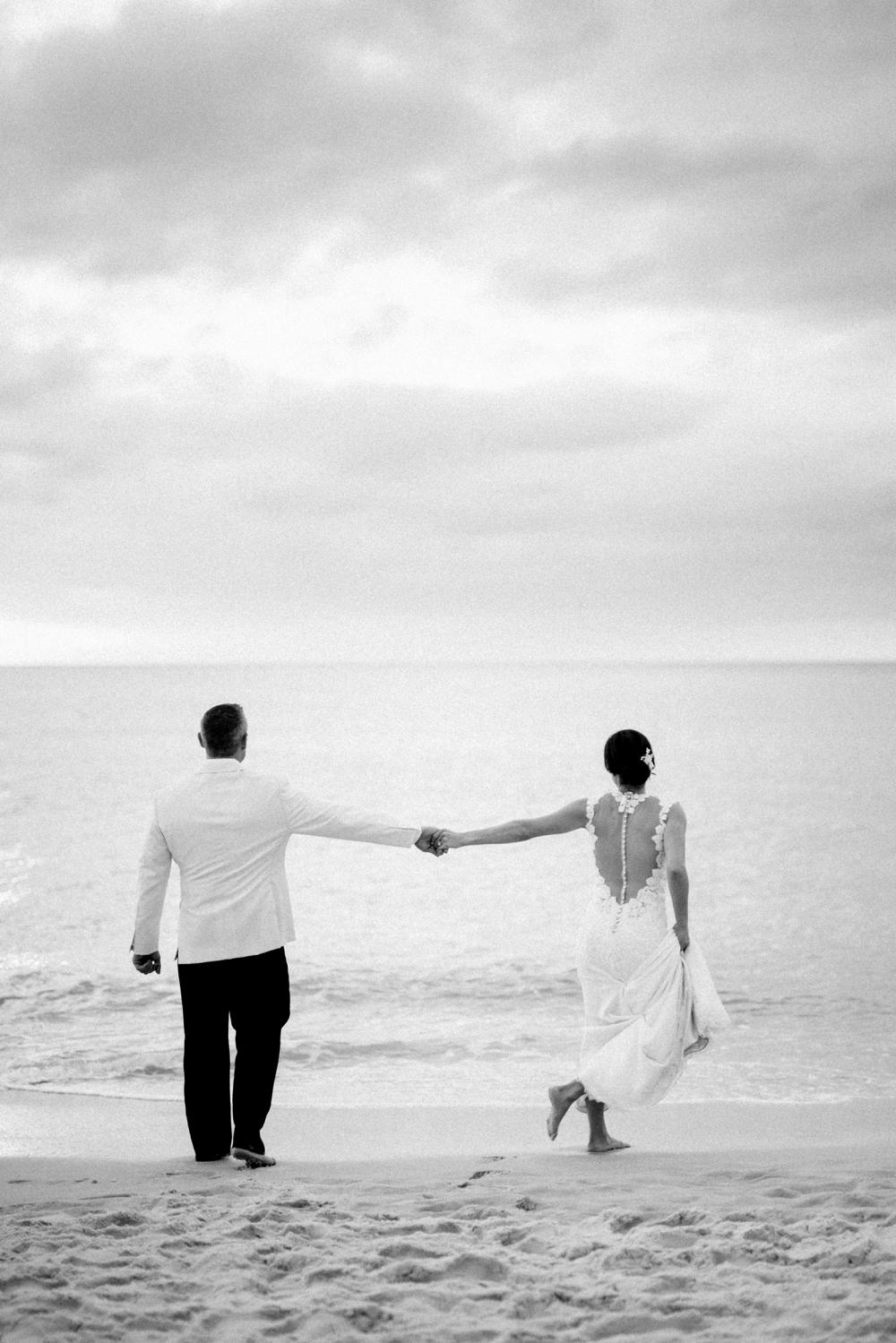 Naples_Wedding_Photograper_ Intimate_Wedding_0936.jpg