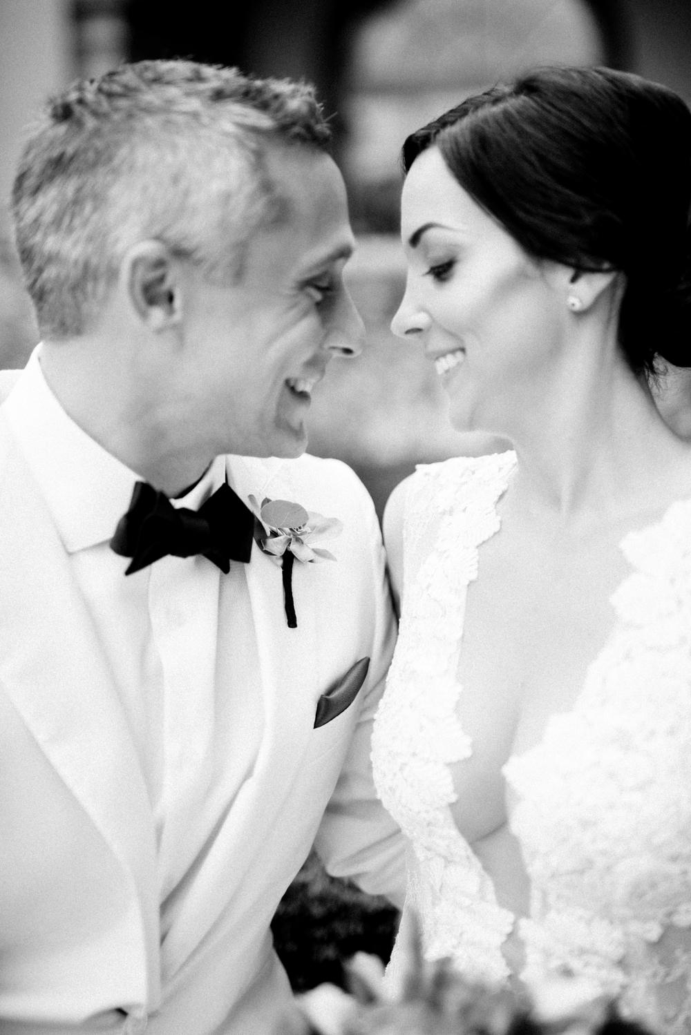 Naples_Wedding_Photograper_ Intimate_Wedding_0910.jpg