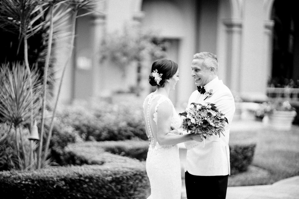 Naples_Wedding_Photograper_ Intimate_Wedding_0905.jpg