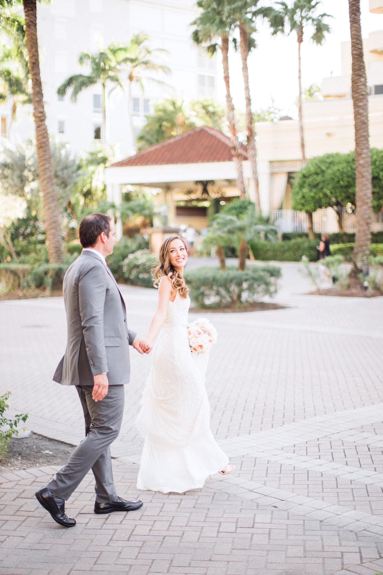 la-playa-naples-florida-destination-wedding-photographer-justine-steve-00200.jpg