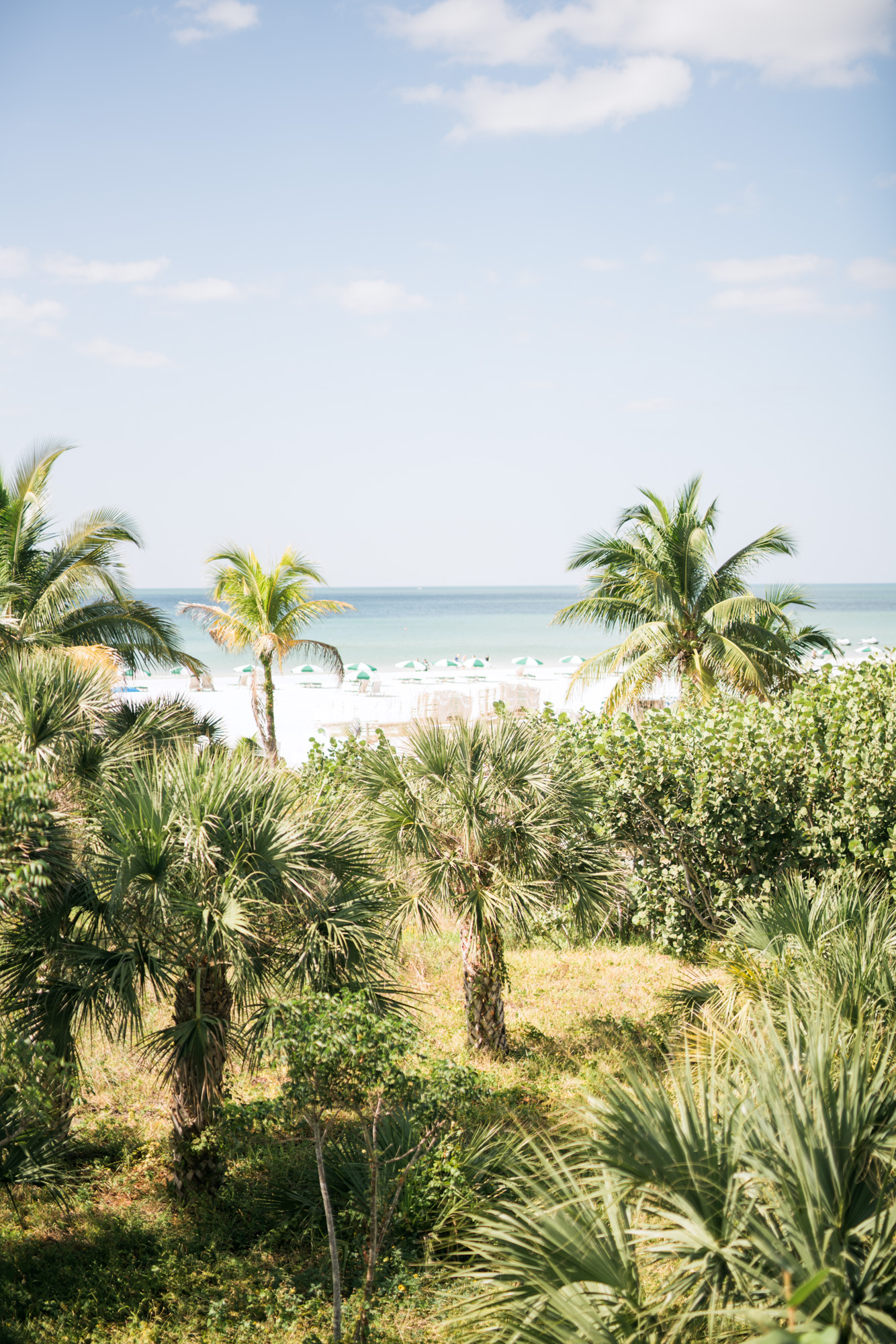 marco-beach-ocean-resort-naples-florida-wedding-photographer-hunter-ryan-photo-04478.jpg