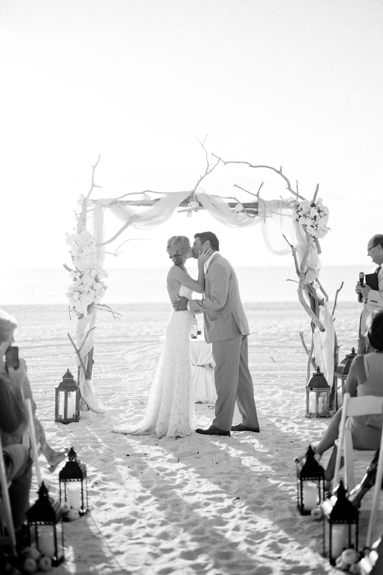 marco-beach-ocean-resort-naples-florida-wedding-photographer-hunter-ryan-photo-05734.jpg