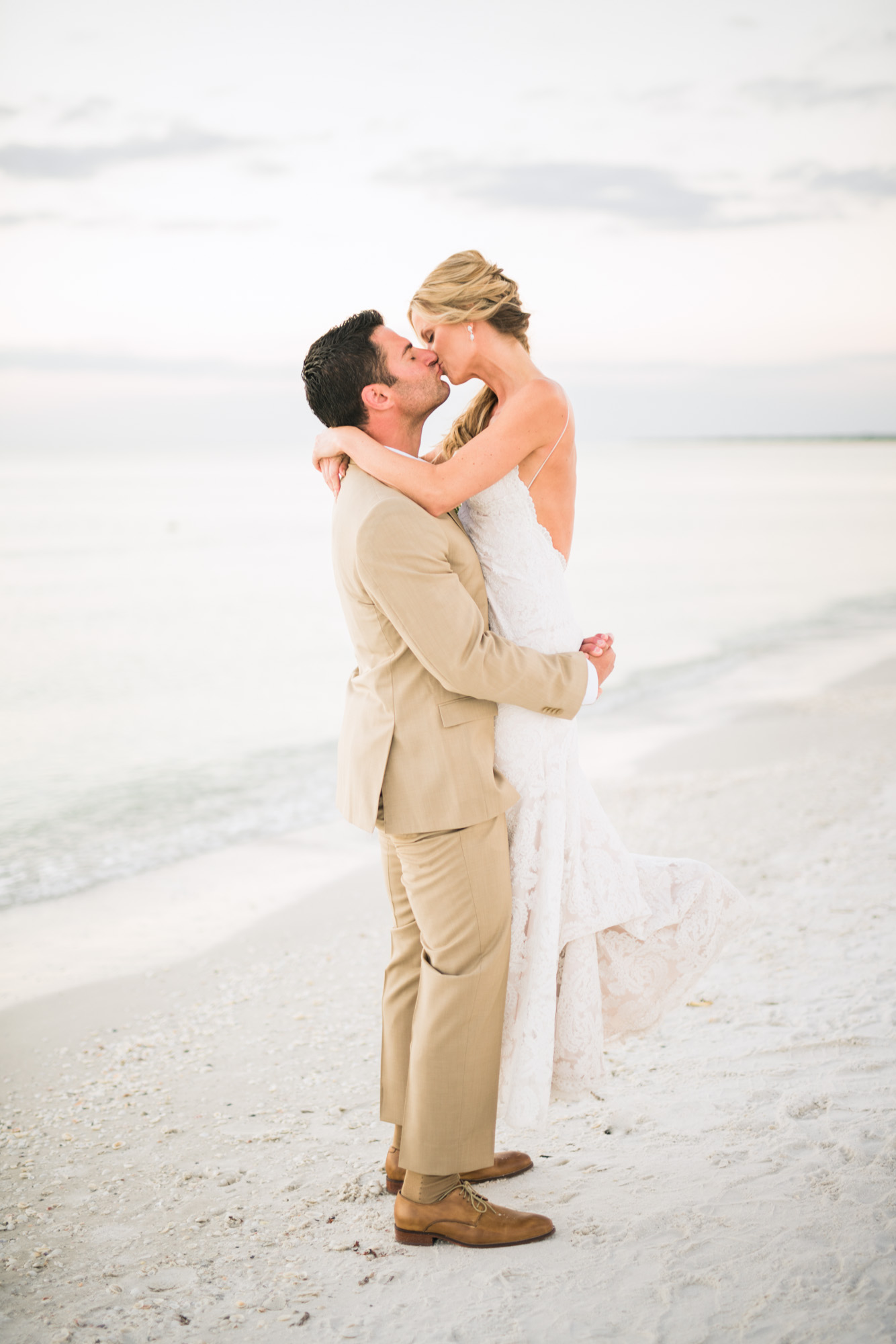 marco-beach-ocean-resort-naples-florida-wedding-photographer-hunter-ryan-photo-06246.jpg